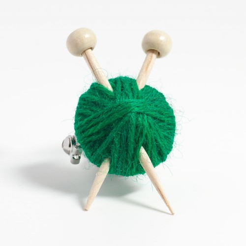 green-knitters-brooch-2015