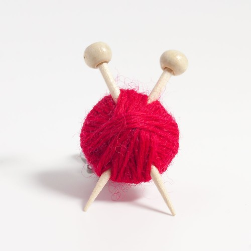 red-knitters-brooch-2015