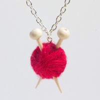 red-knitting-needle-yarn-ball-necklace-2015