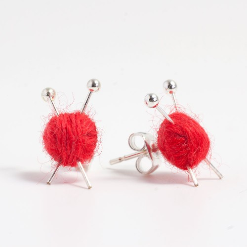 red-stud-knitting-earrings-2015