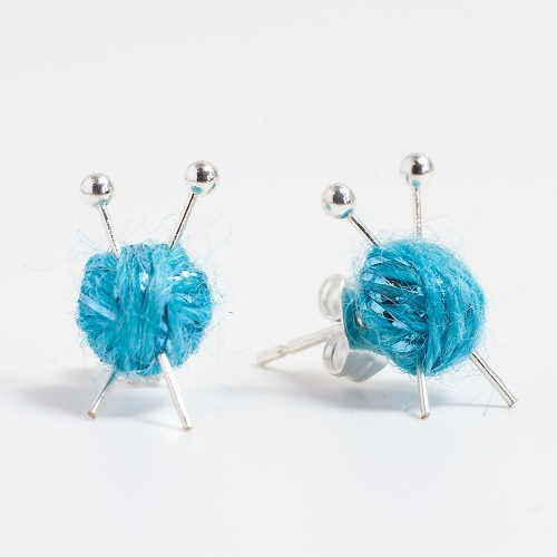 sparkly-blue-stud-knitting-earrings-2015