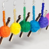 crochet-earrings-rainbow