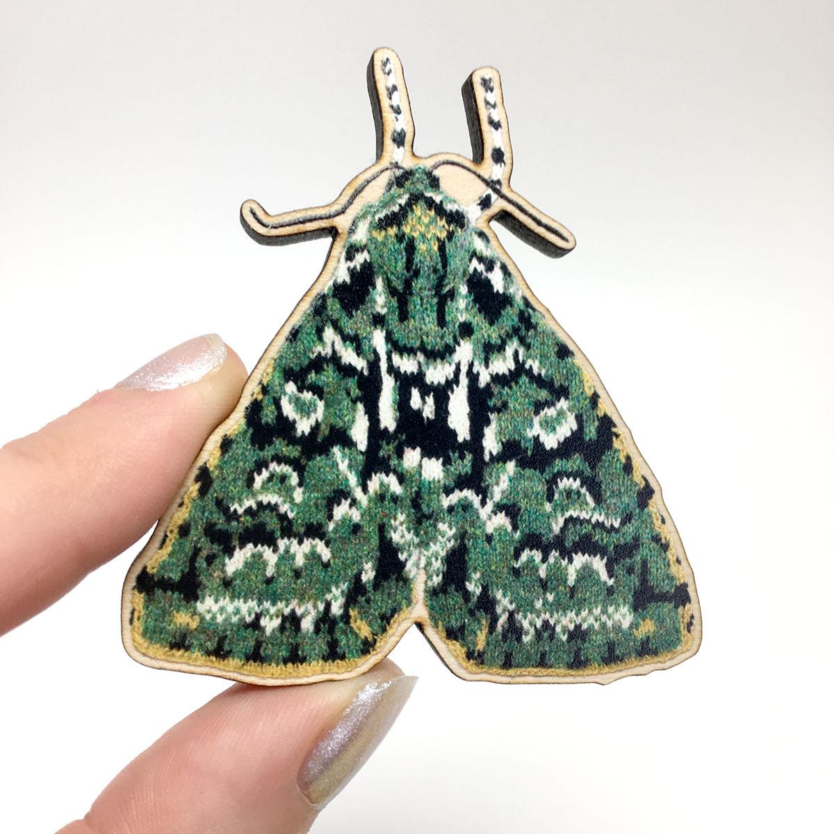merveille du jour moth wooden pin or magnet. Black Bedroom Furniture Sets. Home Design Ideas
